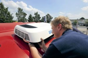 Klimatyzacja postojowa 12v – niezbędny gadżet każdego zawodowego kierowcy